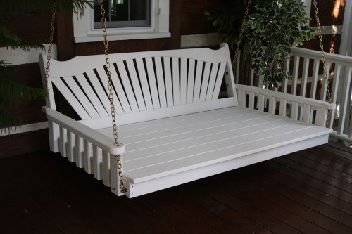 4' Fanback Yellow Pine Swingbed - White