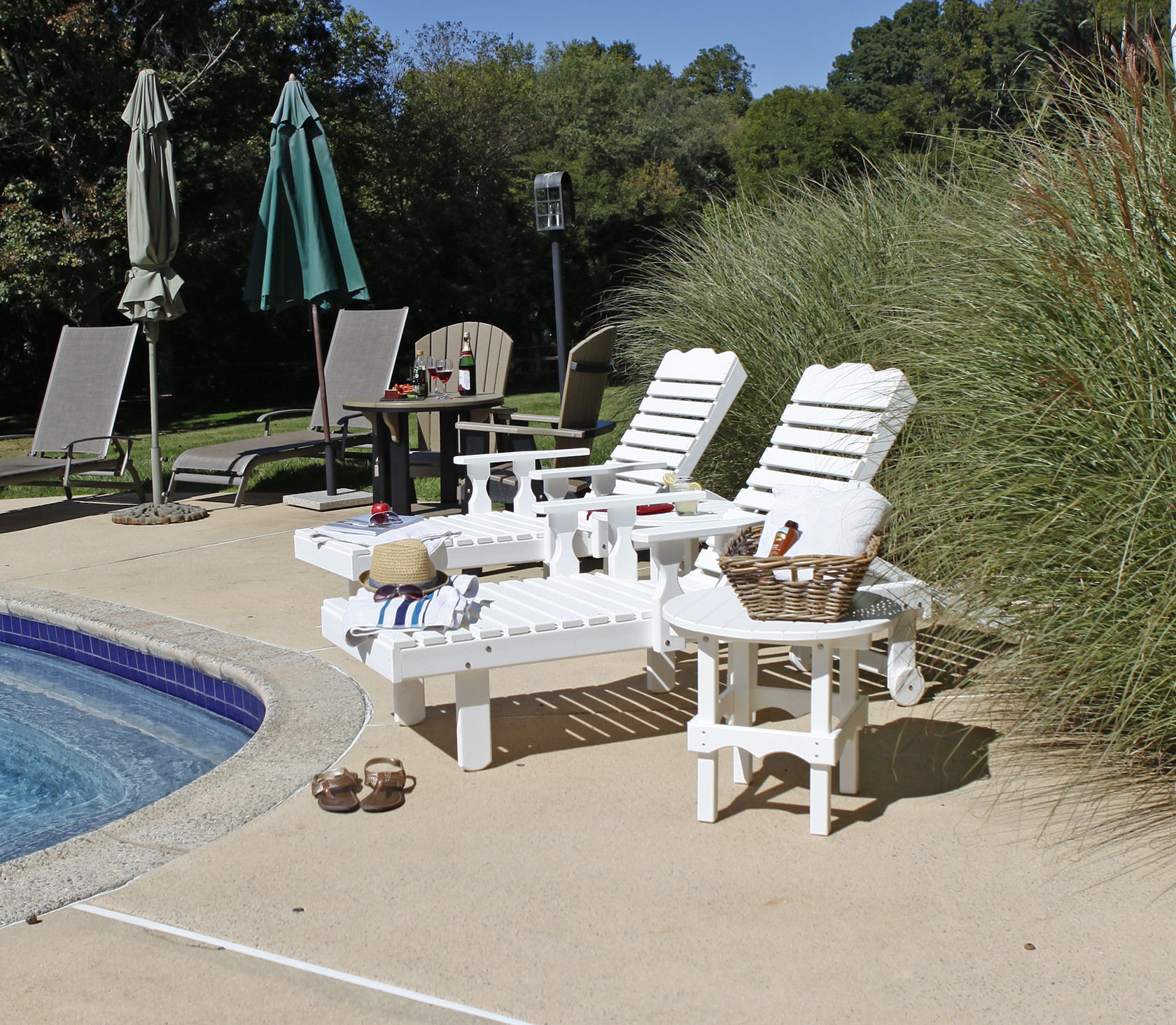 Poly Chaise Lounge - White