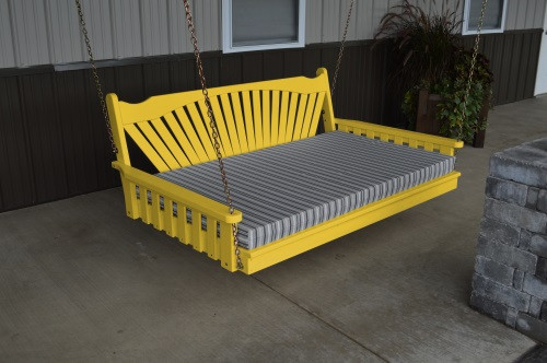 5' Fanback Yellow Pine Swingbed - Canary Yellow w/ Cushion