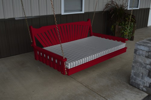 4' Fanback Yellow Pine Swingbed - Tractor Red w/ Cushion