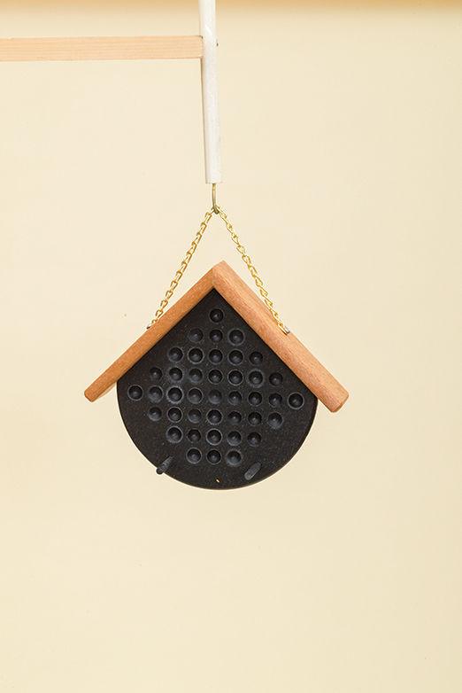 Polywood Peanut Butter Feeder - Black/Cedar