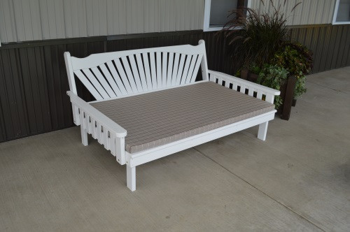 5' Fanback Yellow Pine Daybed - White w/ Cushion