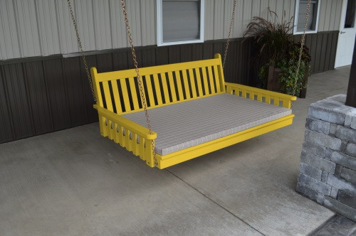 5' Traditional English Yellow Pine Swingbed - Canary Yellow w/ Cushion