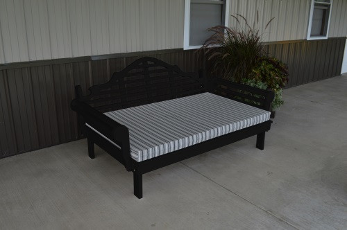 6' Marlboro Yellow Pine Daybed - Black w/ Cushion