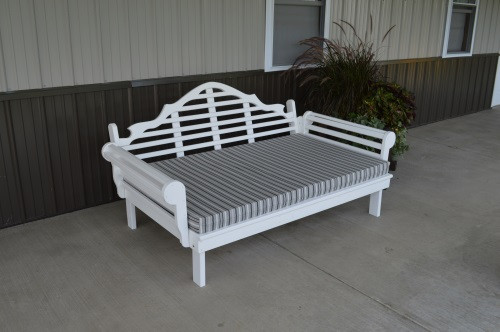 6' Marlboro Yellow Pine Daybed - White w/ Cushion