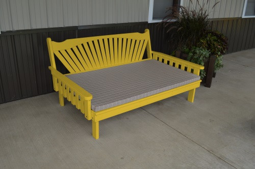 6' Fanback Yellow Pine Daybed - Canary Yellow w/ Cushion
