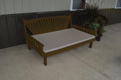 6' Fanback Yellow Pine Daybed - Coffee w/ Cushion
