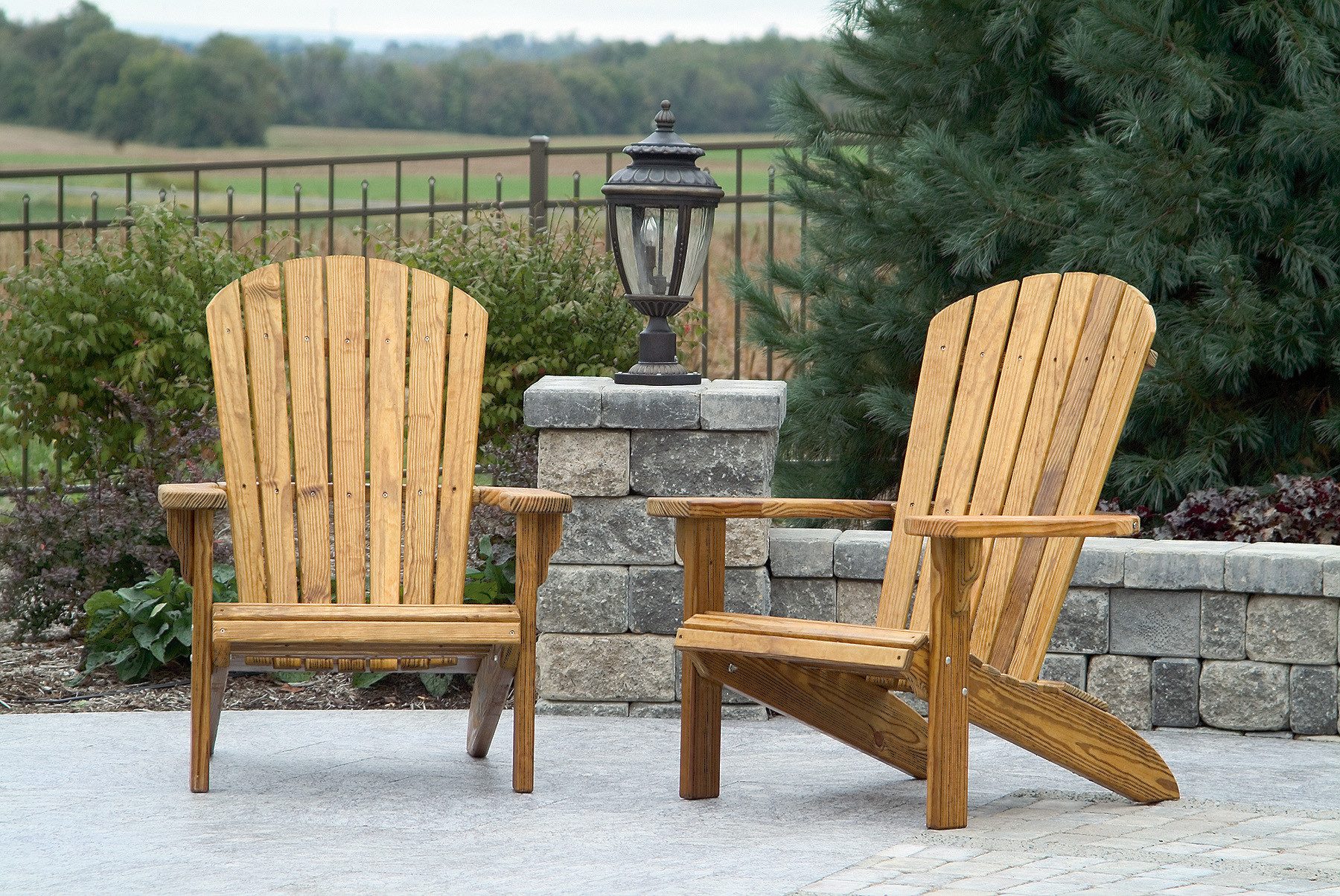 Fanback Chair Set